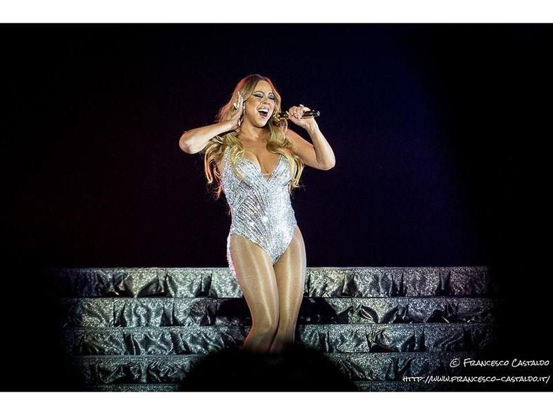 Mariah Carey, la nuova versione di 'Oh Santa!' con Ariana Grande e Jennifer Hudson: video