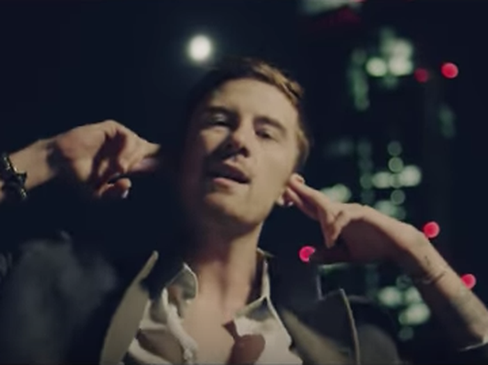 Chi è Francesco Sole: da YouTube alla sua prima canzone, passando per i post-it - VIDEO