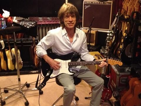 Mick Jagger in studio - Parigi - 2012
