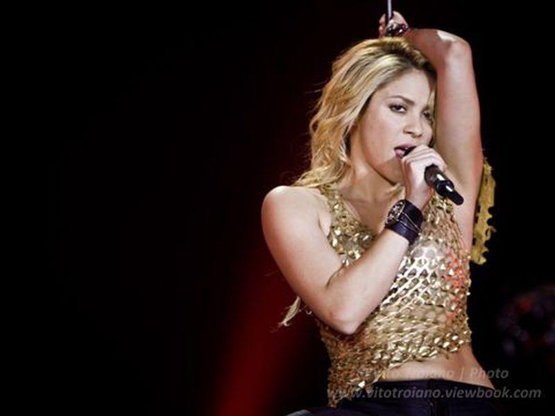 2 Maggio 2011 - FuturShow Station - Casalecchio di Reno (Bo) - Shakira in concerto