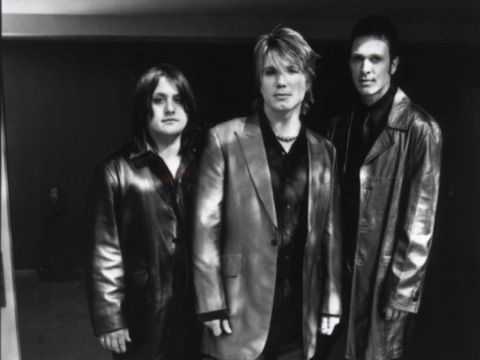 goo goo dolls band analysis Dizzy up the girl is the sixth studio album by american rock band goo goo dolls, released on september 22, 1998 through warner bros records the album is often noted for being the album.