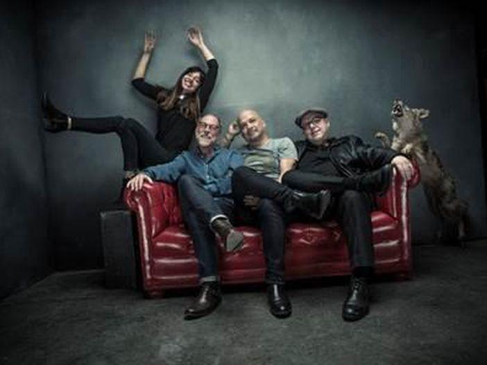 Frank Black, ex Pixies, lascia la Sony