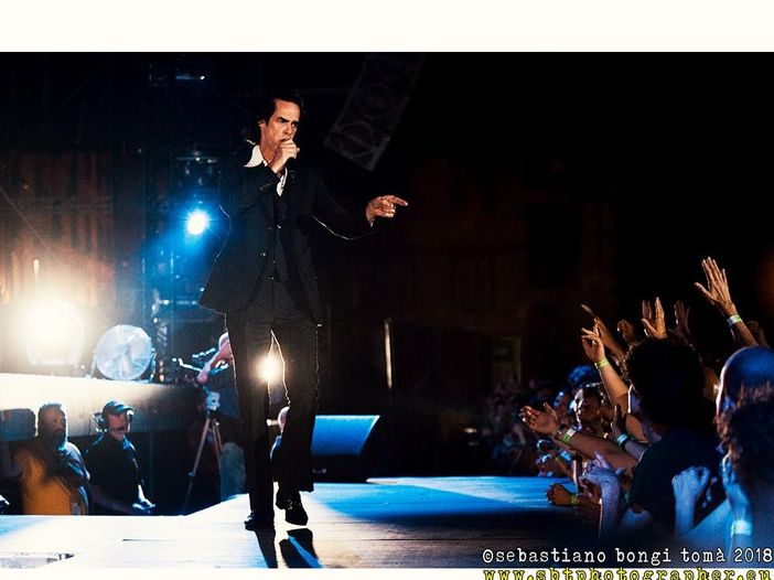 Nick Cave: 'Noi, cantautori, siamo l'attesa, lo stupore, la preoccupazione'