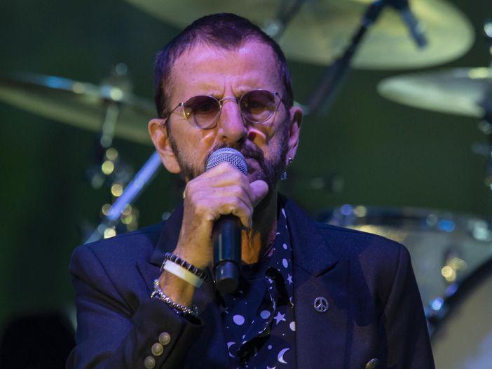 """Ringo Starr: """"Che giornata incredibile, finalmente sono a letto con Yoko"""" - GUARDA"""
