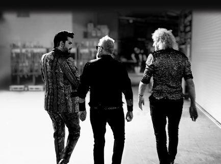 """Queen + Adam Lambert: esce l'album dal vivo """"LiveAround The World"""""""
