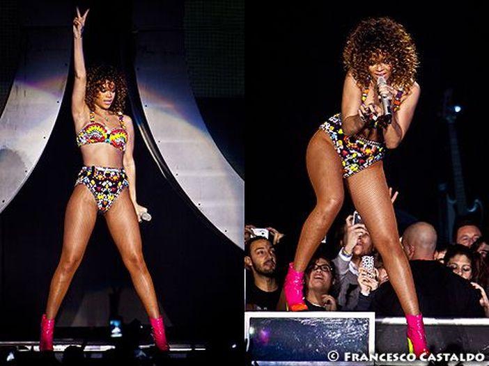 Rihanna, scatti hot per la rivista Esquire - FOTO