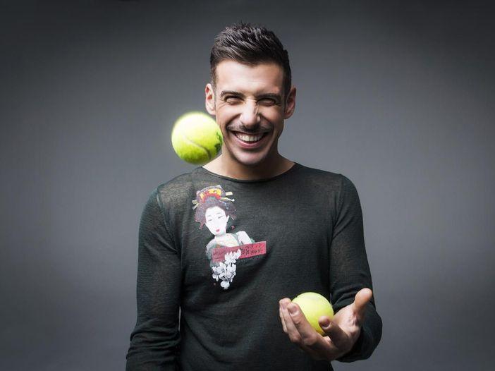 """Francesco Gabbani, guarda la clip del nuovo singolo """"Tra le granite e le granate"""" - VIDEO"""