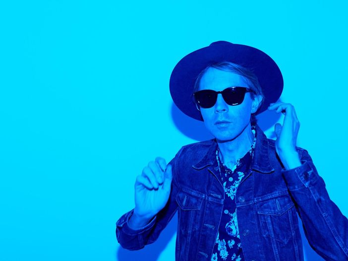 "Beck, tributo a Prince in concerto a New York con ""Raspberry beret"" - GUARDA"