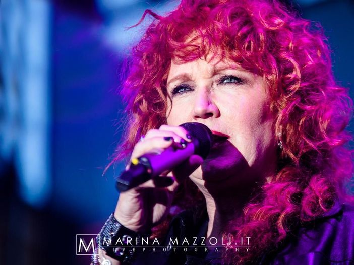 Fiorella Mannoia, 'Combattente il tour' prosegue anche in estate (e il 17 settembre arriva all'Arena di Verona)