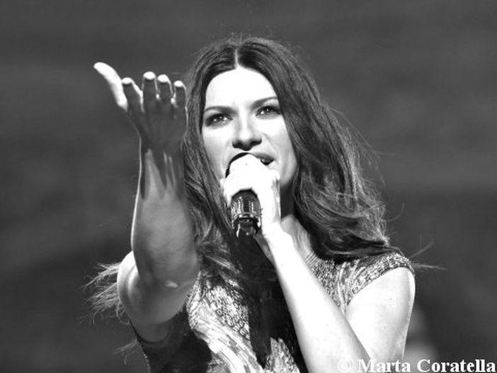 Concerti, Laura Pausini: Antonacci, Emma, Mengoni ospiti al live di Taormina