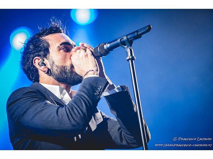 Marco Mengoni al Forum di Assago: la recensione del concerto