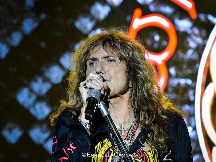 Whitesnake: David Coverdale deve essere operato di ernia inguinale