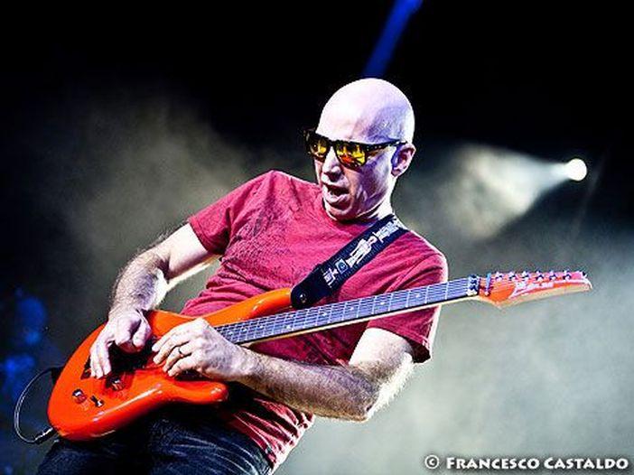 Joe Satriani, il primo brano tratto dal nuovo album è 'On peregrine wings': ascoltalo qui