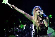 Avril Lavigne: cancellati i suoi concerti italiani