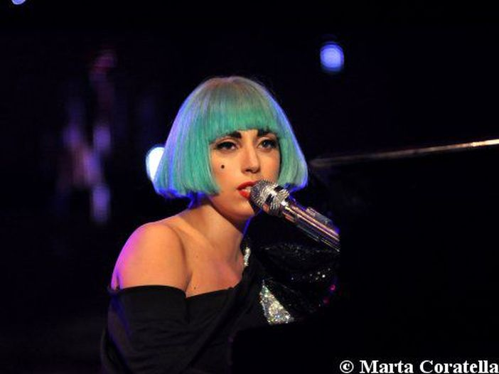 """Lady Gaga, dopo otto anni torna in classifica """"Artpop"""""""