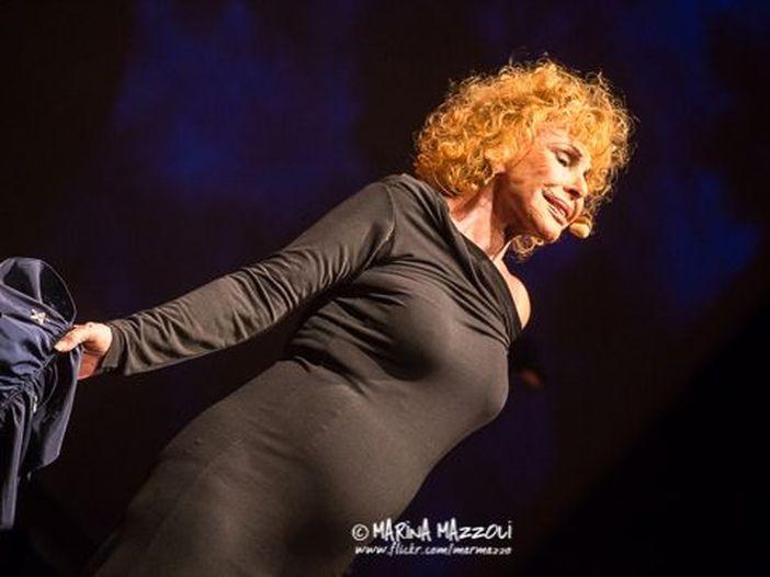 Ornella Vanoni, l'eleganza senza età di una voce inconfondibile