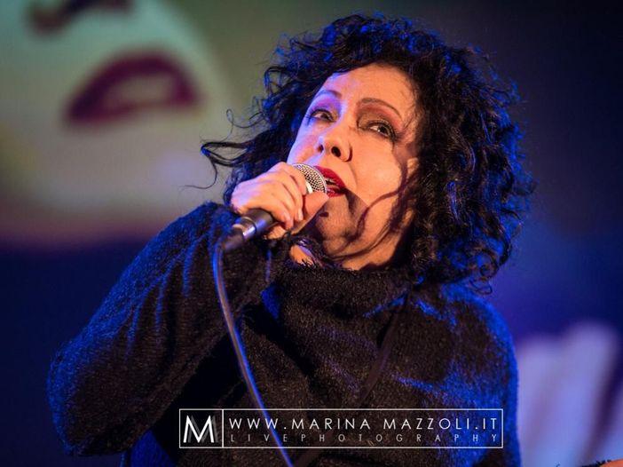 """Antonella Ruggiero, subisce un ritardo l'uscita di """"Quando facevo la cantante"""" - GUARDA"""