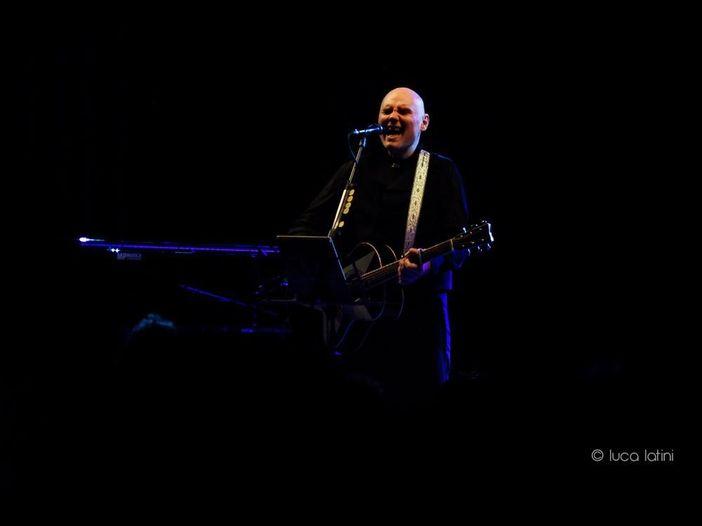 Billy Corgan contro il music biz 'gestito da idioti incapaci'