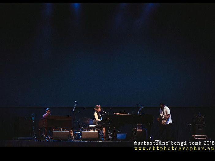 Anche Norah Jones canta alla notte degli Oscar