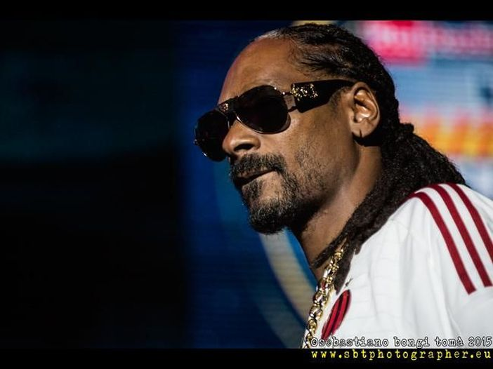 Snoop Dogg, ascolta il nuovo brano 'Dis Finna Be A Breeze' - AUDIO