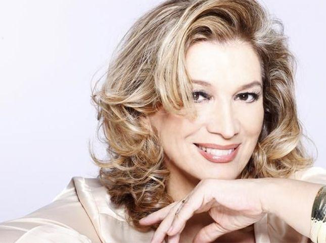 Iva Zanicchi ricoverata in ospedale per una polmonite