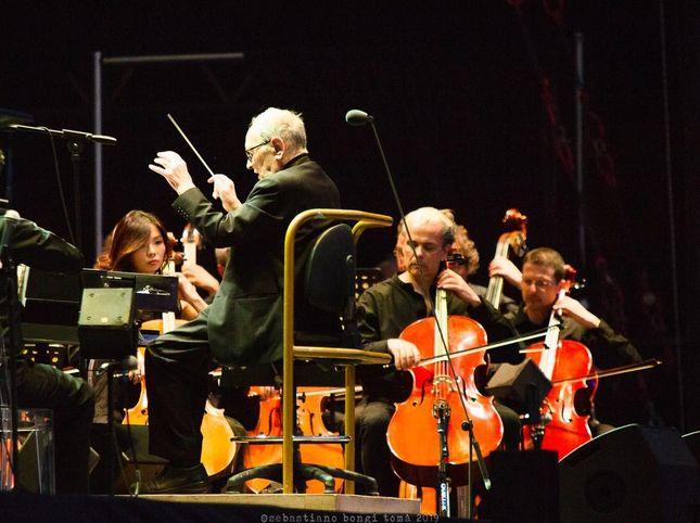 Ennio Morricone: il necrologio, i funerali, la musica inedita, il tributo dei Muse