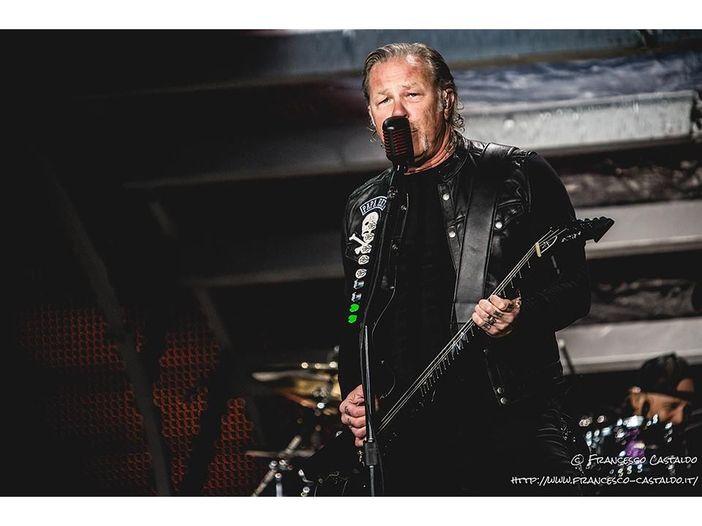 Twitch 'doppia' i Metallica con musica folk (per 'colpa' delle licenze): video