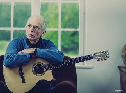 "Steve Howe annuncia l'uscita dell'album solista ""Love is"""