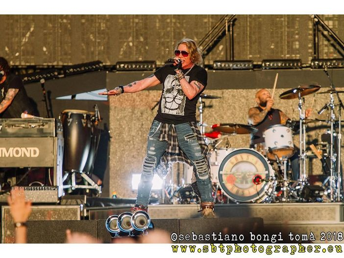 Guns N' Roses, Axl Rose commenta l'incontro tra Kanye West e Donald Trump alla Casa Bianca: 'È una barzelletta'