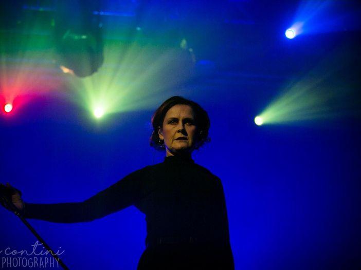 Alison Moyet, esce ad aprile la raccolta 'The Other Live Collection' – TRACKLIST/COVER