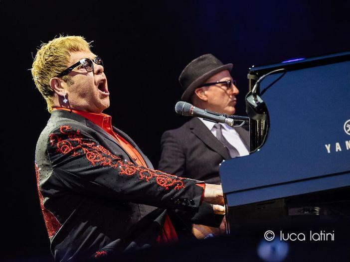 Elton John spiega perché ha abbandonato il palco durante l'esibizione
