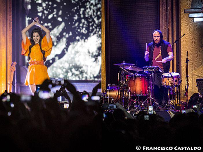 Lana Del Rey, il nuovo singolo è 'West Coast' - ASCOLTA