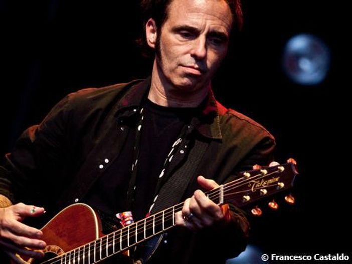 Nils Lofgren (E Street Band) vittima di un furto: gli hanno rubato le chitarre