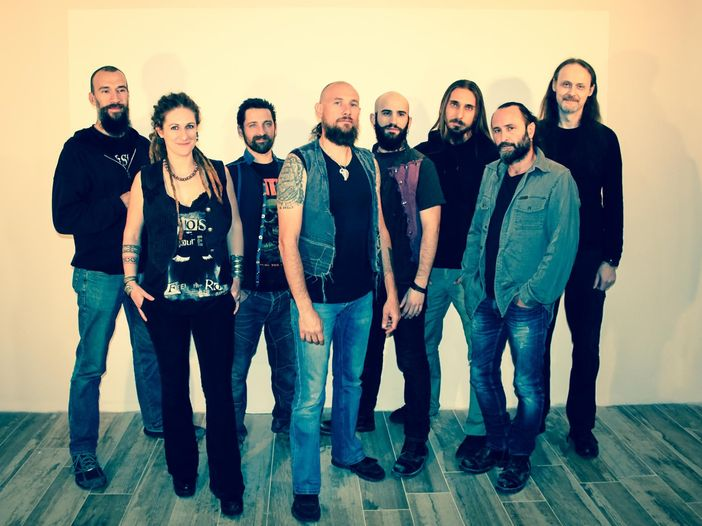 """Concerti, Folkstone: parte il tour di """"Ossidiana"""" ed esce il video di """"Pelle nera e rum"""" - GUARDA"""