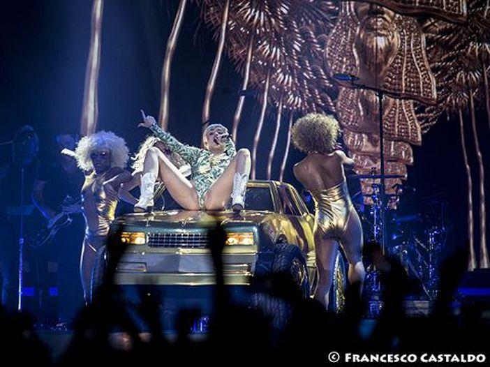 Miley Cyrus canta i Pink Floyd: la sua cover di 'Wish You Were Here'