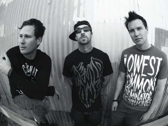 "Blink-182: l'album live ""The Mark, Tom and Travis Show"" è di nuovo disponibile in streaming"
