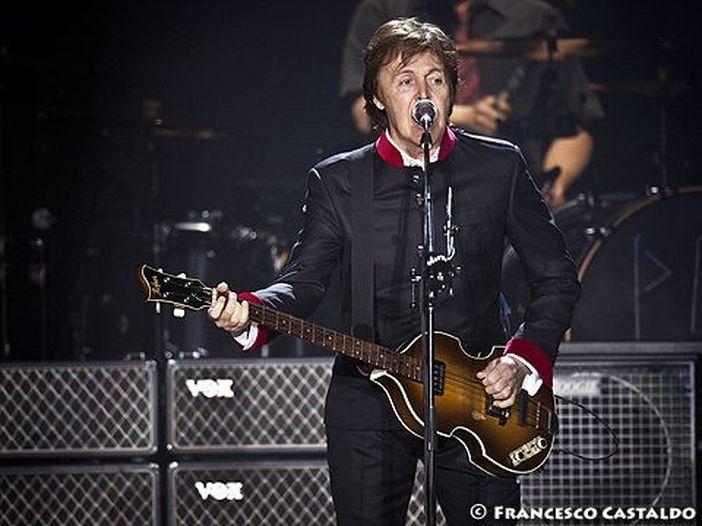 Paul McCartney sui mezzi pubblici a Londra - GUARDA