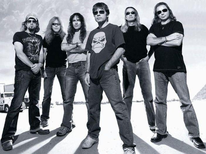 Iron Maiden, gli auguri di buone feste della band li fa Eddie - VIDEO