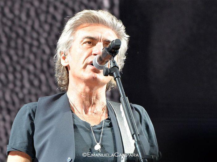 Ligabue ricorda Luciano Ghezzi, bassista dei ClanDestino, scomparso la scorsa notte
