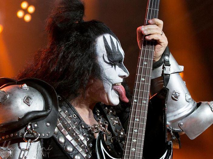 Kiss, ecco perché Gene Simmons non si è mai drogato: 'L'ho fatto per mia madre'