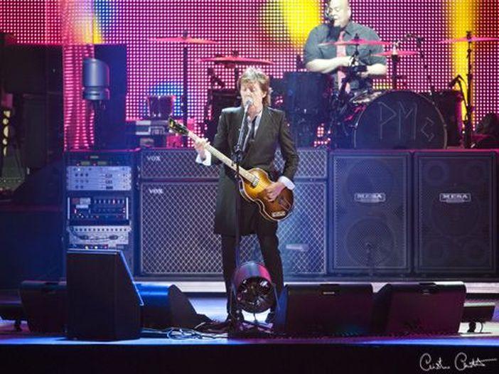 Paul McCartney in vetta alla classifica UK dopo 31 anni. Video
