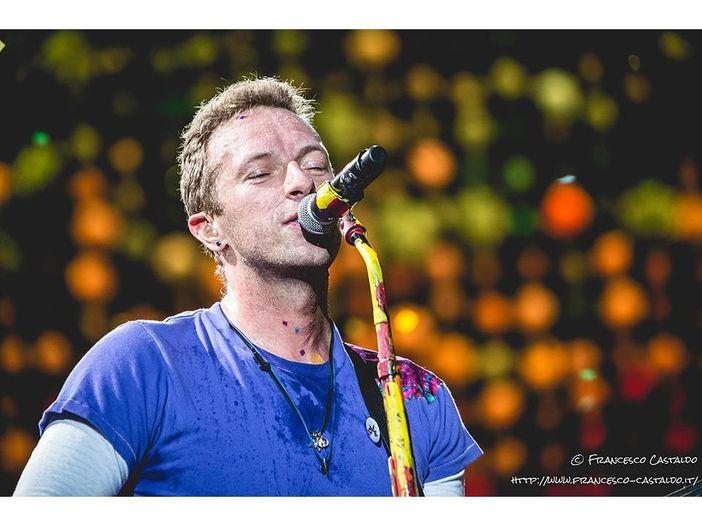 Coldplay: il concerto in streaming di Chris Martin dallo studio di casa