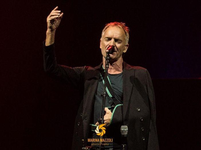 """Sting canta """"The Hiring Chain"""", canzone della giornata mondiale sulla sindrome di Down. Video"""