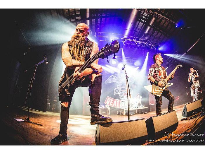 Five Finger Death Punch, il batterista Jeremy Spencer lascia la band: 'Il gruppo ha bisogno di fuoco ed energia'