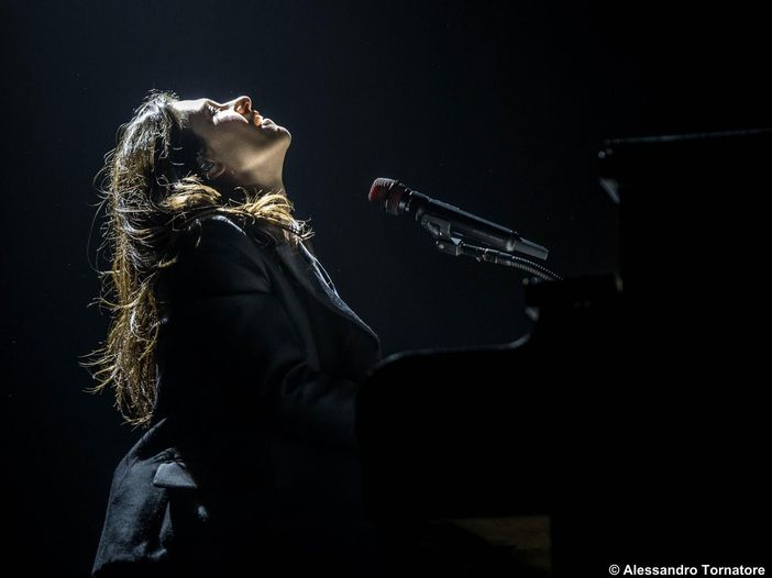 "Canzoni italiane dal 2000 al 2020: ""Luce (tramonti a Nord Est)"" di Elisa"