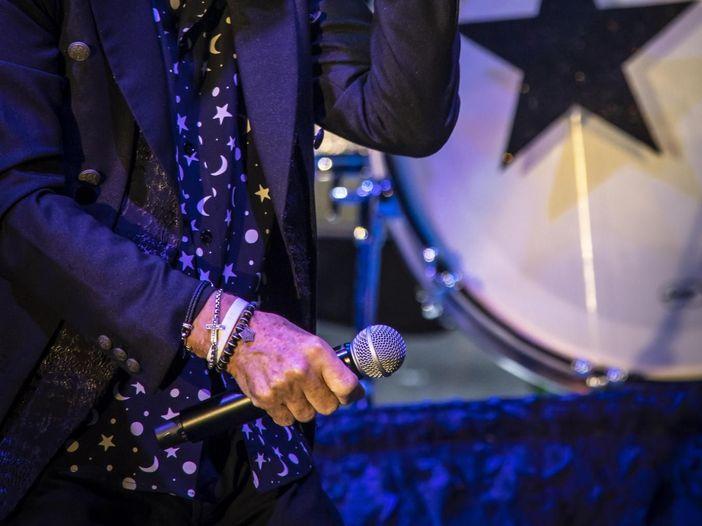 Esce il giradischi disegnato da Ringo Starr - GUARDA