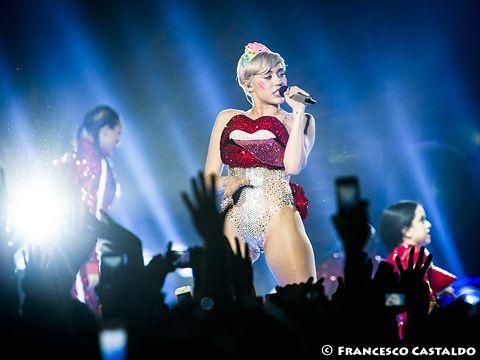'Miley Cyrus fidanzata in segreto da 9 mesi'-FOTO