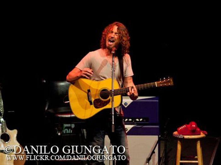 "Chris Cornell suona ""Nothing compares 2 U"" di Prince - VIDEO"