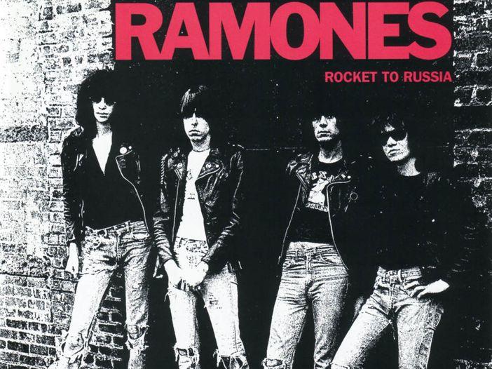 Ex batterista dei Ramones denuncia Apple, RealNetworks e Walmart