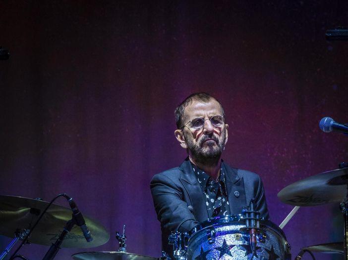 Ringo Starr è ancora un sessantottino: una nuova canzone per la Giornata Internazionale della Pace - VIDEO